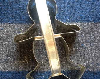 Vintage Metal Cookie Cutter with Handle - Gingerbread Man - Christmas - Holiday - Bento Supplies - Baking Supplies - Clay Supplies