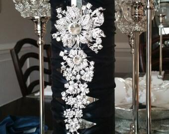 18 inch Elegance Vase Centerpieces (Shown in Black)