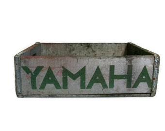 Wood crate  with Yamaha stencils - Industrial - Primitive - Vintage motorcycle
