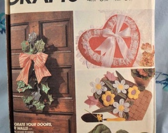 McCall's 9168 - Holiday Decor for Your Door - Multi Holiday Door and Wall Hangings Vintage Pattern, Xmas, Easter, Spring, Fall - UNCUT