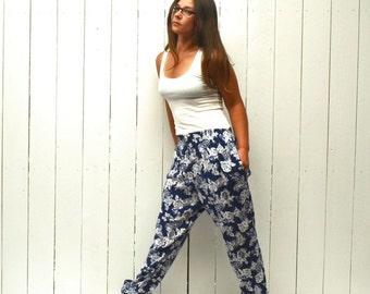 Floral Harem Pants 90s Vintage White Blue Rose Print Pocket Tapered Leg Pants Medium