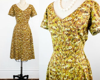 Vintage 1950s dress . Meadow Walk . floral print 50s day dress . olive green dress . medium