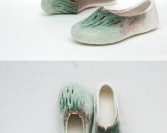 Felted slippers - Women slippers - Wool slippers - Home shoes - Woolen clogs - Green white red - Valenki - Felted clogs - Love slippers