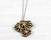 geometry blossom gold wood chain