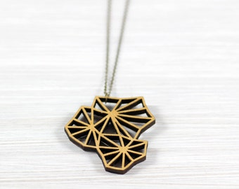 geometry blossom gold wood chain