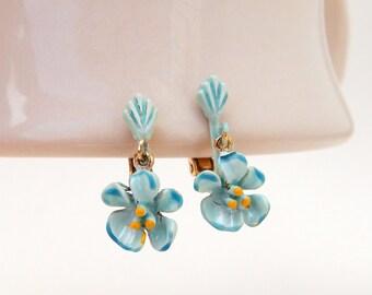 Vintage Blue Flower Enamel Earrings, Blue Cherry Blossoms Flower Earrings Clip-Ons, Blue Enamel Flower Clip-Ons, Summer Jewelry