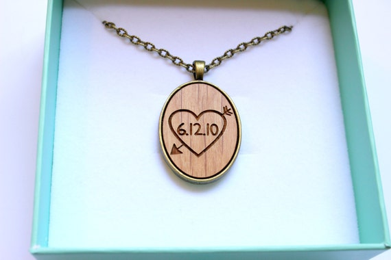 Your Date Real Wood Necklace 5th Year Anniversary Gift