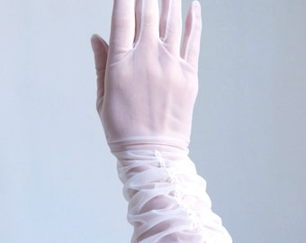 Vintage gloves, size 6, Bridal gloves, wedding gloves, tea party gloves, made in england