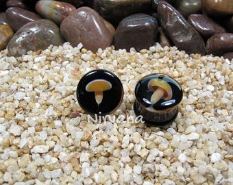 "Glass Mushroom Plugs with Black Colored Background 4g 2g 0g 00g 7/16"" 1/2"" 9/16"" - 1"" + 5 mm 6 mm 8 mm 10 mm 12 mm 14 mm 16 mm 18 mm - 25 mm"