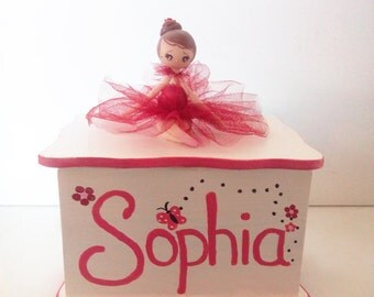 Jewelry box for a girl, personalized customized gift, first jewelry box, ballet motif, ballerina jewelry box, girls jewelry box, tutu skirt