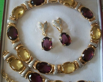 Vogue Bijoux      - Jewelry  Set  made in Italy   ***Mint ***                      -