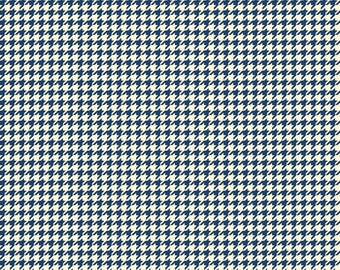 Navy Houndstooth Fabric, Riley Blake C3994 Trendsetter, Navy Cotton Fabric,  Navy & Cream Houndstooth Check Quilt Fabric, Nautical, Cotton