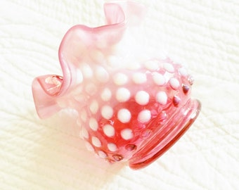 Vintage Cottage Home Shabby Pink Hobnail Vase with Ruffled Edging, Olives and Doves