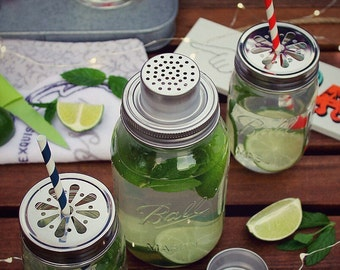Ball Mason Cocktail Shaker Set with 2 Drinking Jars inc Daisy Lids & Paper Straws