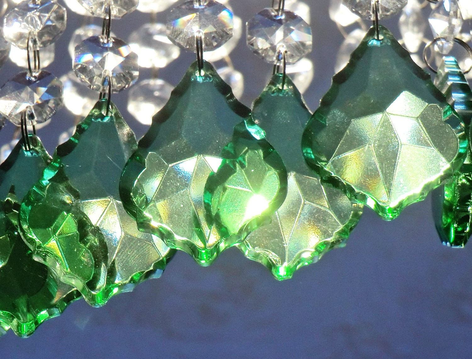 24 Emerald Green Chandelier Drops Glass Crystals Droplets Chic ...