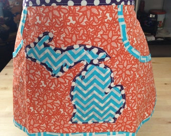 Women's Vintage Inspired Clothespin Apron with Michigan Applique