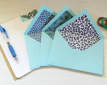 A colorful letters kit - 3 envelopes + 6 paper sheets.