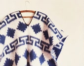 Vintage Mexican poncho / 70s Mexican Cape / Southwest Cape / Acrylic Blanket Poncho Cape / Free Size