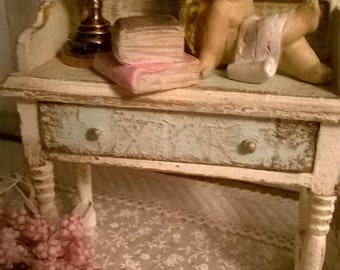 Miniature Dollhouse BEAUTY TABLE