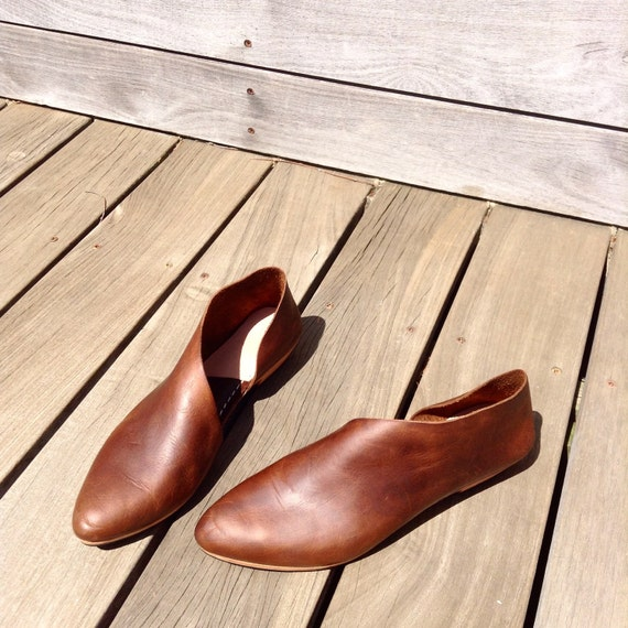 The Sandy. Waxy Antique Brown Flats. Handmade Shoes.