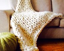 Chunky knit throw. Giant Knitted Blanket Afghan. Pure Wool Giant Blanket. Bulky Knit Throw. Extreme Knitting. Merino lap blanket. K035