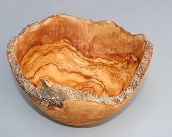 Rustic edges Salad Bowl / Natural Olive wood Salad Bowl / Wooden Fruit Bowl - Wedding gift, Mom Gift