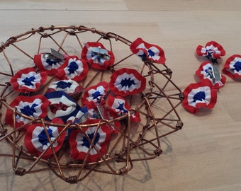 Booked: Special 14 July, a small tricolour to pin on your bodice rosettes!