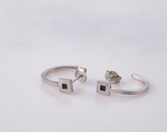 Geometric earrings, square