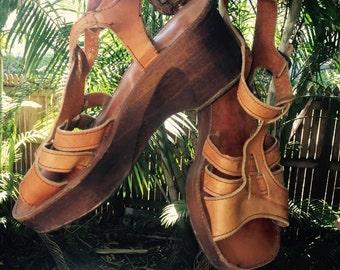 Vintage 70s boho wooden sandals