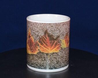 Ceramic mug with Leaf design