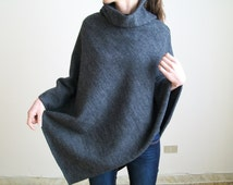 PURE WOOL SWEATER/ Womens Poncho/ Wool Poncho/ Winter Overcoat / Wool Cape/ Grey Poncho / Winter Wrap Poncho/ Cape/ Knit Poncho / Wool Shawl