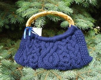 knit wool handmade purse handbag cotton lining shoulder bag cables wooden handles navy blue