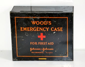first aid boxe Johnson and Johnson