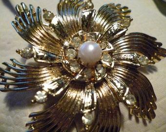 Vintage Ceil Chapman Gold tone rhinestone and pearl brooch