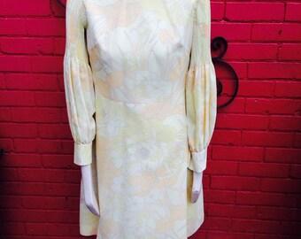 Pretty 60s lemon dress