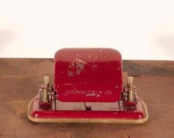 Soennecken 26 2 hole paper punch, vintage, bordeaux red