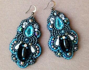 Bead embroidered earrings. Blue beadwork earrings.