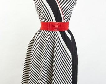 Vintage Day Dress S M Swing Midi Striped PADDED Bust Circle