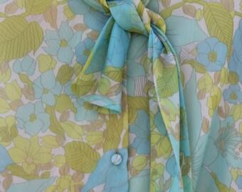 60s Floral Blouse