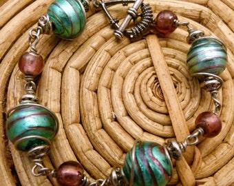 Glass orbit bracelet B0018