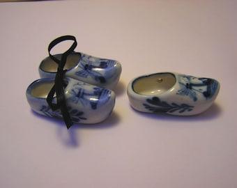 Delft porcelain booties for collectors / Delft Blue / 70s