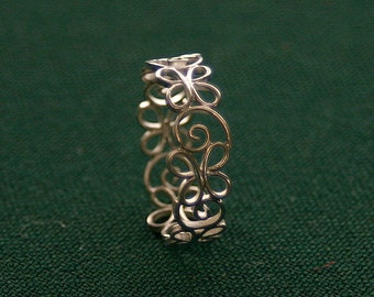 Filigree ring like a summer breeze - artfully and lovely worked in silver