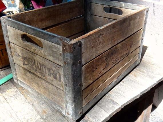 Bowman crate 1959 milk crate 1950s decor chicago bowman for Decorating with milk crates