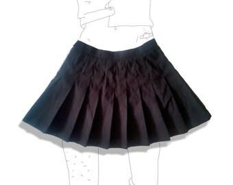 Black pleated tennis mini skirt!