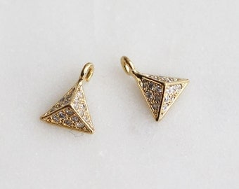 P1-133-G] Cz Cubic Pyramid / 6.5mm / Gold plated / Pendant / 1 piece(s)