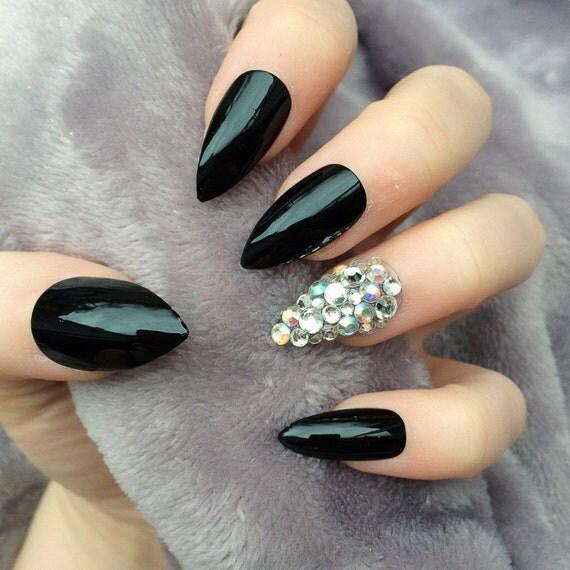 Doobys Stiletto Nails - Black Gloss Ring Finger Swarovski - 24 Claw Point False Nails