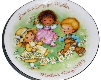 1983 Avon Miniature Mother's Day Plate  ~FREE SHIPPING~
