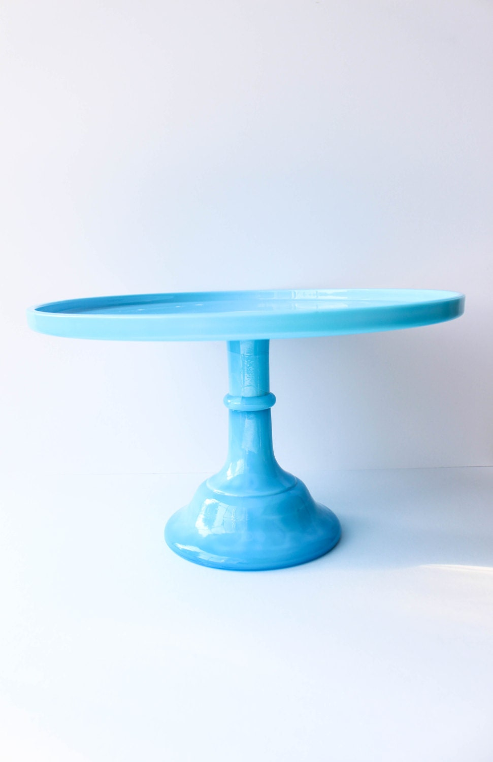 Cake stand blue glass wedding decor home and living for Colored glass cake stand