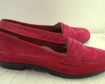 Marked Down@@Women's Vintage Fuscha Colored,Suede Leather LOAFERS By JOHANSEN.10 3A