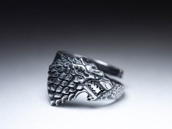 maison stark direwolf bague game of thrones argent sterling. Black Bedroom Furniture Sets. Home Design Ideas